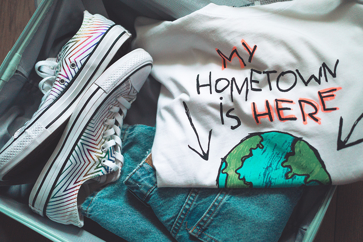 T-shirt print: My hometown is here (earth)